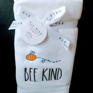 Brand New Rae Dunn Set of 2 Hand Towels: Bee Kind